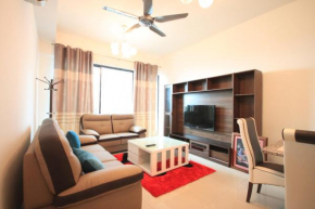 B3 Executive Suite 2BR Panaromic View i-City