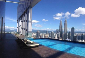 Sky Pool Apartment near KLCC Twin Towers